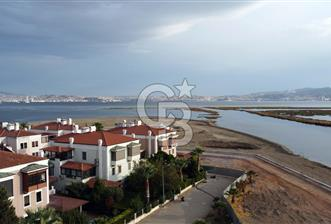Mavişehir Villaları Ön Sıra Deniz Manzaralı Triblex Villa