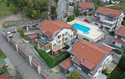Uskumruköy Talya Konaklarında Satılık Tripleks Villa