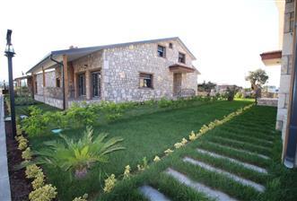 Urla Kuşçular'da Havuzlu Site İçinde Satılık 3+1 Villa