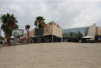 Balçova Palmiye Avm içinde Satılık Dükkan
