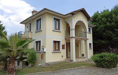 Kocaeli Başiskele Koruma Villalarında Satılık 6+2 Tripleks Villa