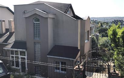CB META'DAN SARIYER ZEKERİYAKÖY'DE 4+2 300 m2 İKİZ VİLLA