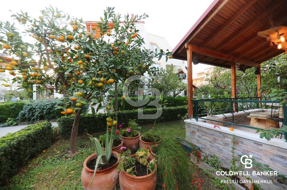 Güre'de Denize Yürüme Mesafesinde Satılık Bahçeli Müstakil Villa