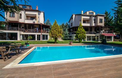 İstanbul Pendik Ballıca Köyünde Satılık 3.000 M² Arsa İçinde Açık Havuzlu İki Villa
