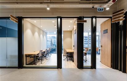 Batı Ataşehir'de A Plus Yeni Plazada 216 m2 Kullanıma Hazır Ofis