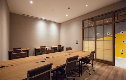 Maslak'ta A Plus Yeni Plazada 210 m2 Kullanıma Hazır Ofis