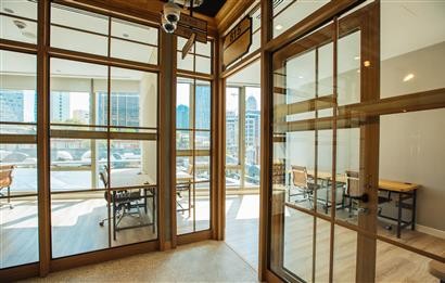 Maslak'ta A Plus Yeni Plazada 140 m2 Kullanıma Hazır Ofis
