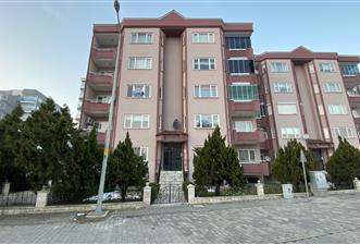 Atatürk Mahallesi Laleli Sokak Üzerinde Satılık Ara Kat Daire