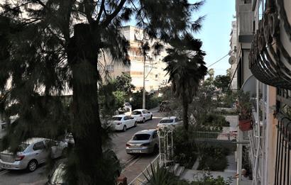 Karşıyaka Girne Caddesi Satılık 3+1 Sahile 100 mt 120 m2 Daire