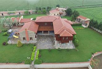 Silivri Fenerköy'de Satılık Eşsiz Çiftlik Evi