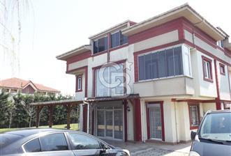 Arnavutköy Taşolukta 3 Katlı Muhteşem Villa