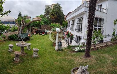 Leventte caddeye yakın 4+2 450m2 kiralık villa