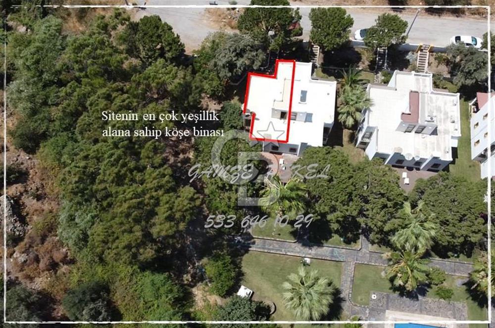 BODRUM BAĞLA' da ARCHİPEL VİLLALARI'NDA 200 m2 Bahçe içinde NET 105 m2 İKİZ VİLLA