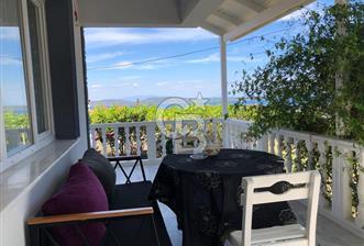 Karaburun Mordoğan'da 4+1 Deniz Manzaralı Müştemilatlı Villa
