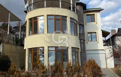 İncek Atakent Sitesinde Yapılı Göl Manzaralı Kiralık Villa