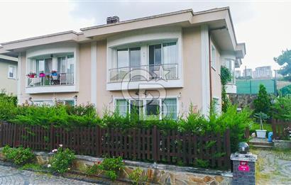 Bahçeşehir de Satılık Bakımlı Villa