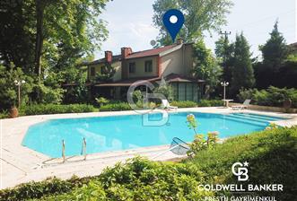 2.300 m² Arsa İçinde Müstakil Havuzlu Büyük Bahçeli Villa